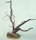 40212 - Baumstamm mit Waldsäge und Ast