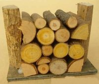 Holzstapel / Hackstötze